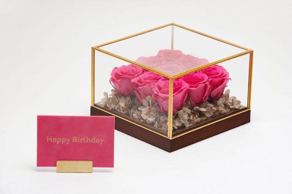 高級感のあるプリザーブドフラワーの誕生日プレゼント