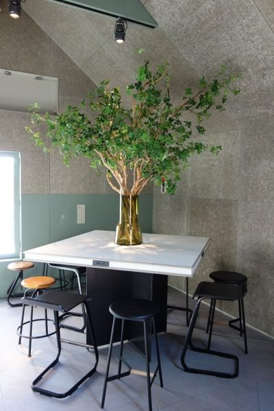 飲食店の花・造花装飾