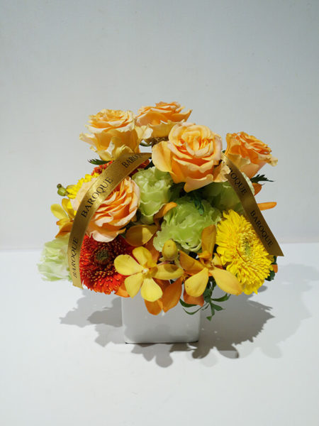 誕生日プレゼントの花アレンジメント