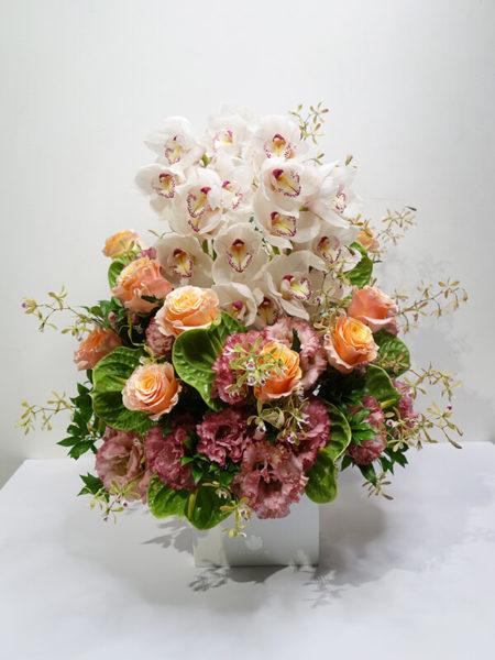 誕生日プレゼントの高級花アレンジメント