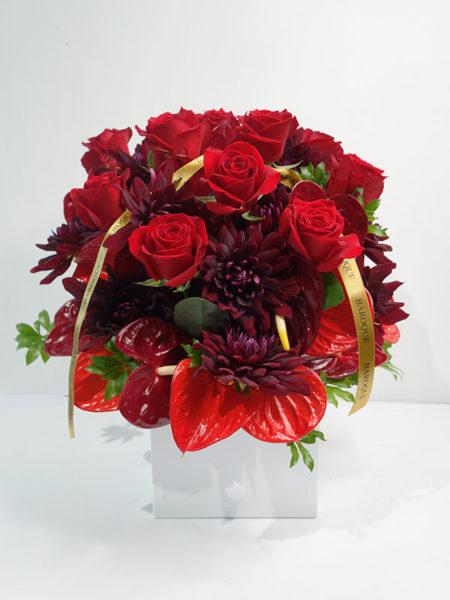 赤の花アレンジメント