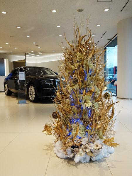 ロールスロイスショールームのクリスマス装飾