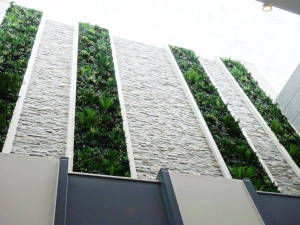 屋外用人工壁面緑化